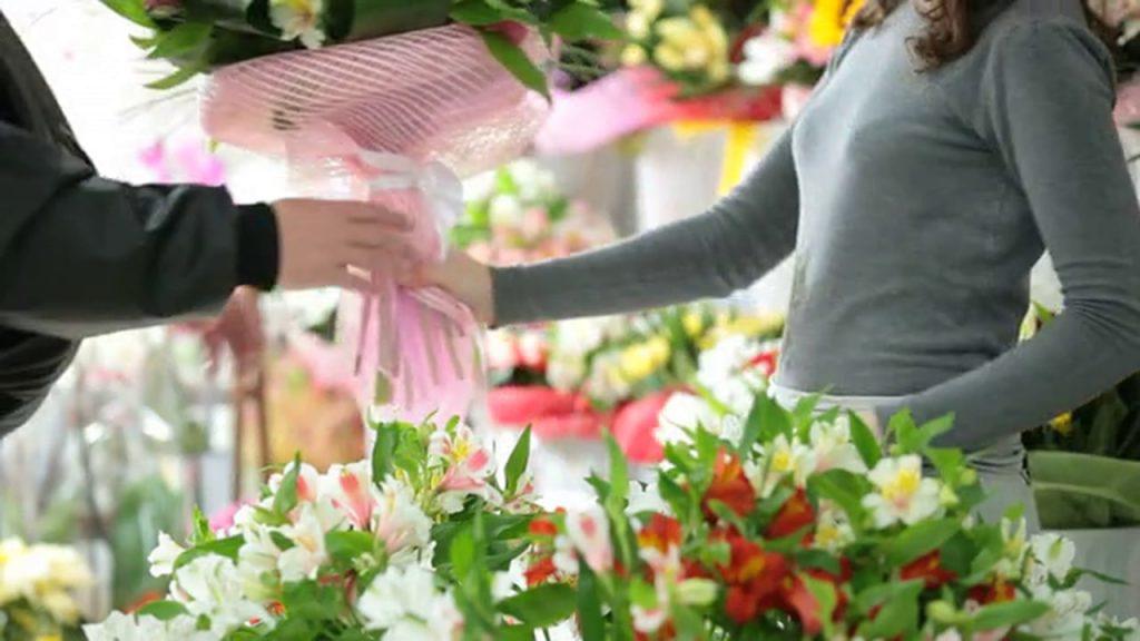 Virágkötő és virágkereskedő - SZVK