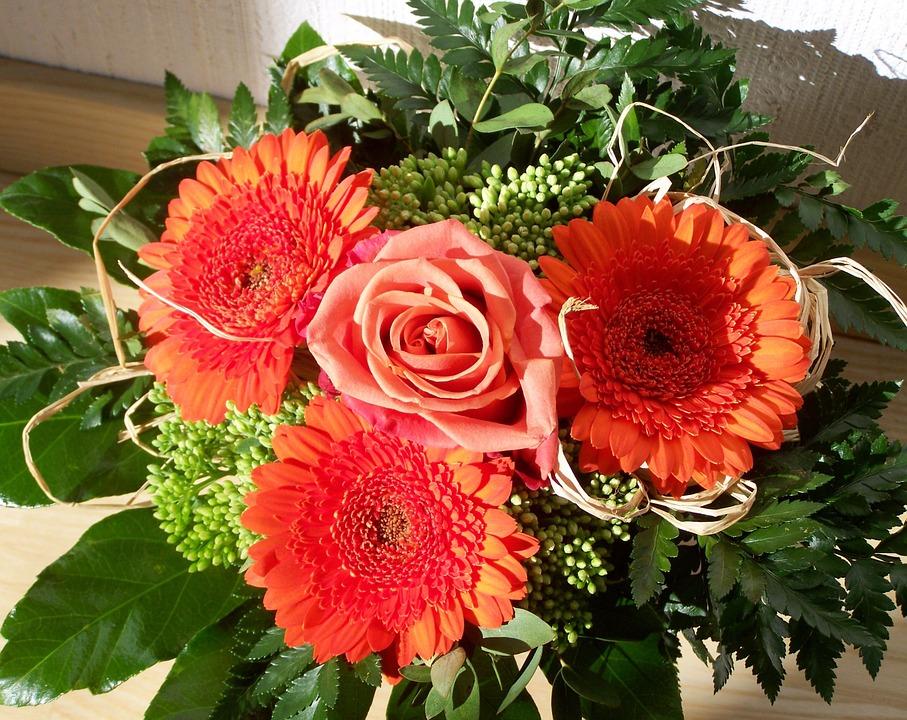Virágkötő és virágkereskedő OKJ Tanfolyam